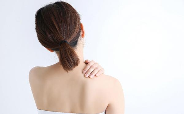 太白区で肩こりの治療なら青い杜接骨はり灸院
